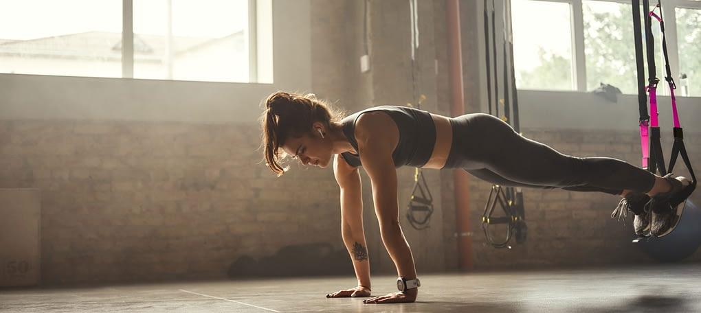 fitness equipment, suspension trainer female, trx suspension trainer, suspension training